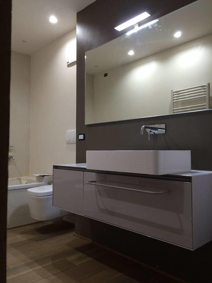 La RESIWORLD fornisce al cliente un'assistenza attenta e qualificata per realizzare: bagno in biomalta, lavabi in biomalta, cucina in biomalta